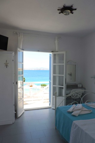 studios niriides sea view